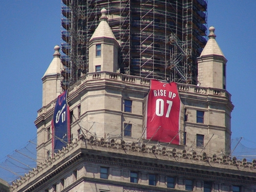 Cavs-Jersey-on-landmark-building
